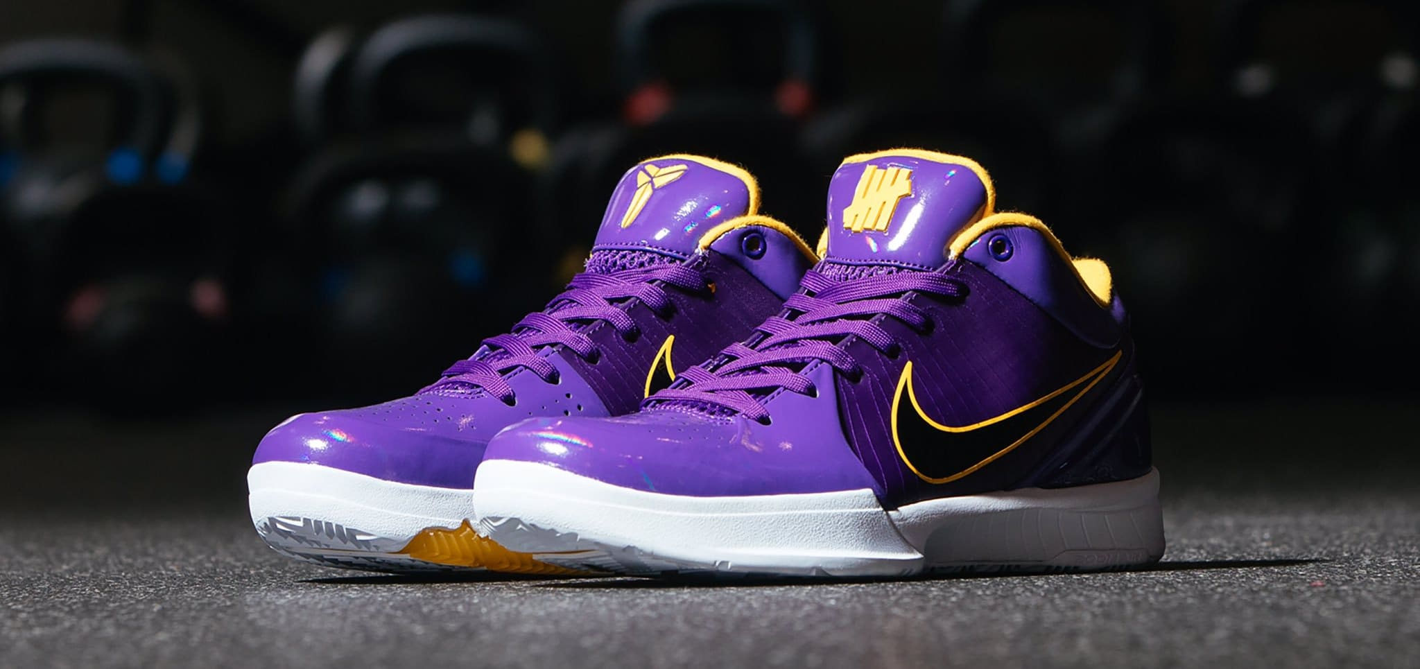 Undefeated x Nike Kobe 4 Protro 'Court Purple' (Pair)