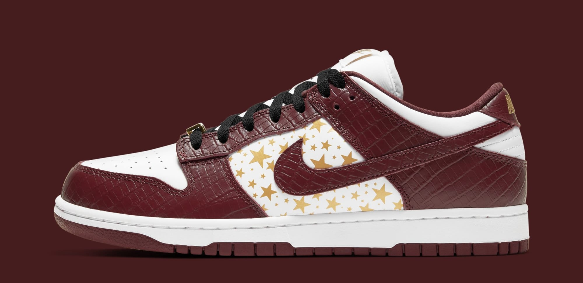 Supreme x Nike SB Dunk Low 'Barkroot Brown' DH3228-103 (Lateral)