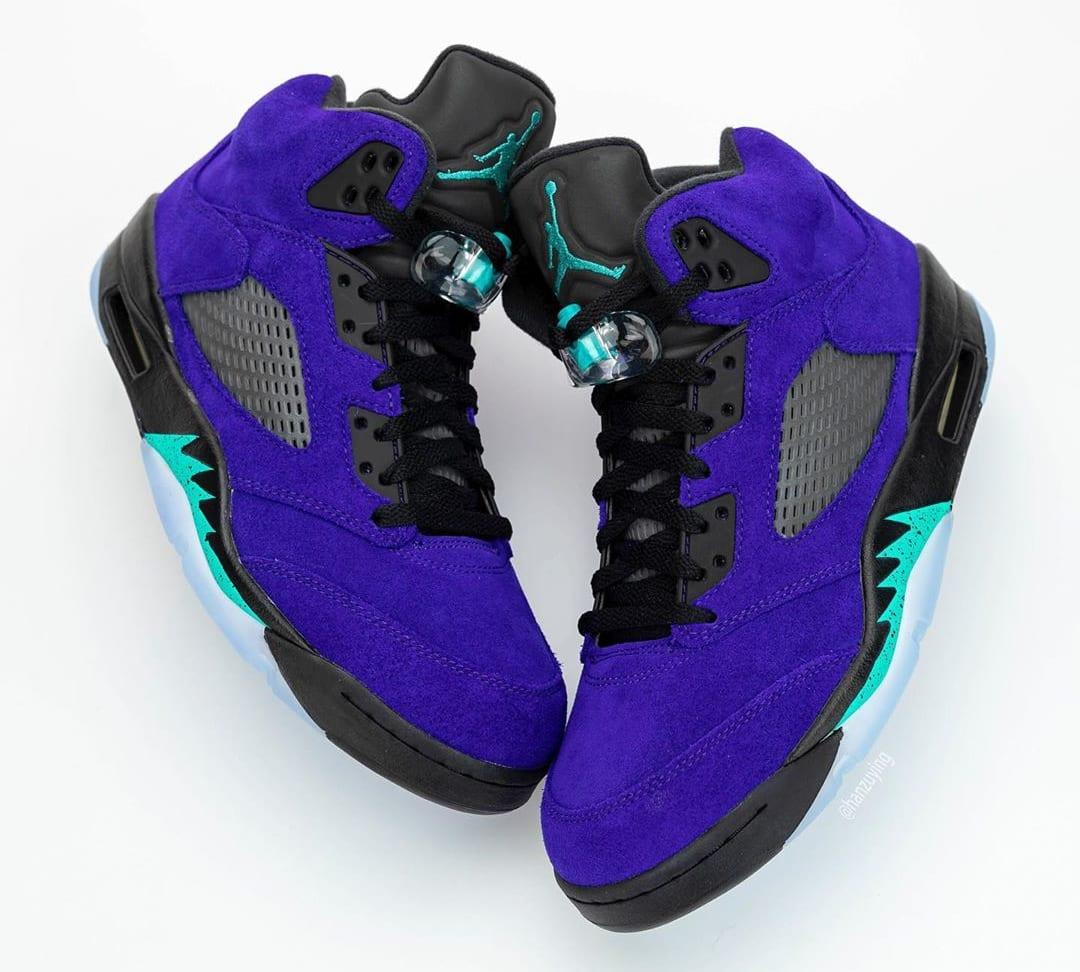 Air Jordan 5 Retro 'Alternate Grape' 136027-500 Side