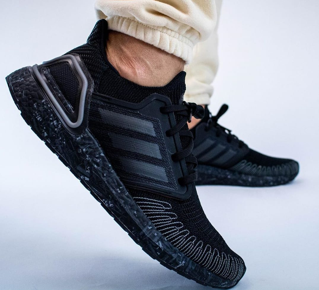 007-adidas-ultra-boost-20-no-time-to-die-lateral