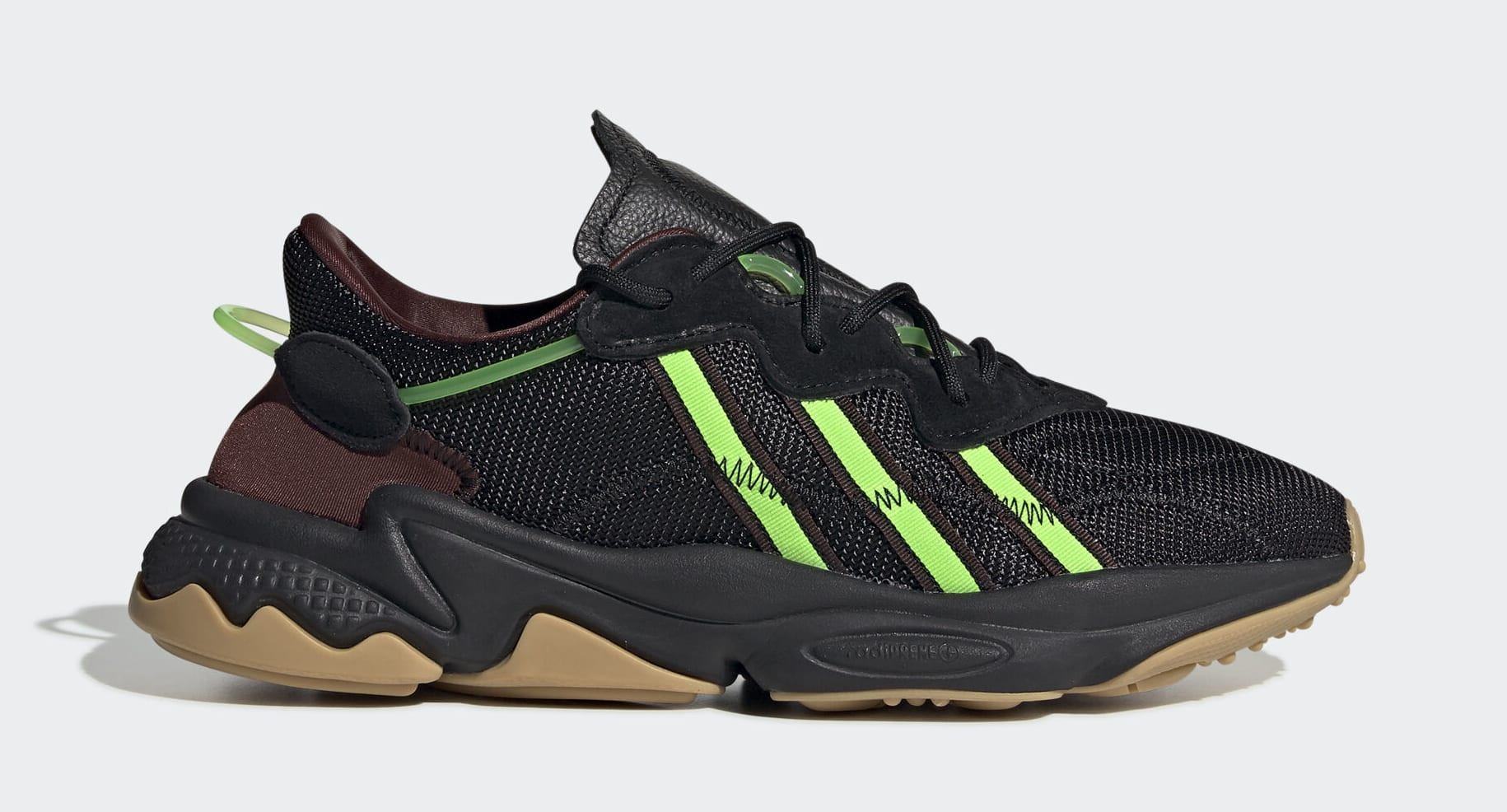 pusha-t-adidas-ozweego-black-fv2484-lateral