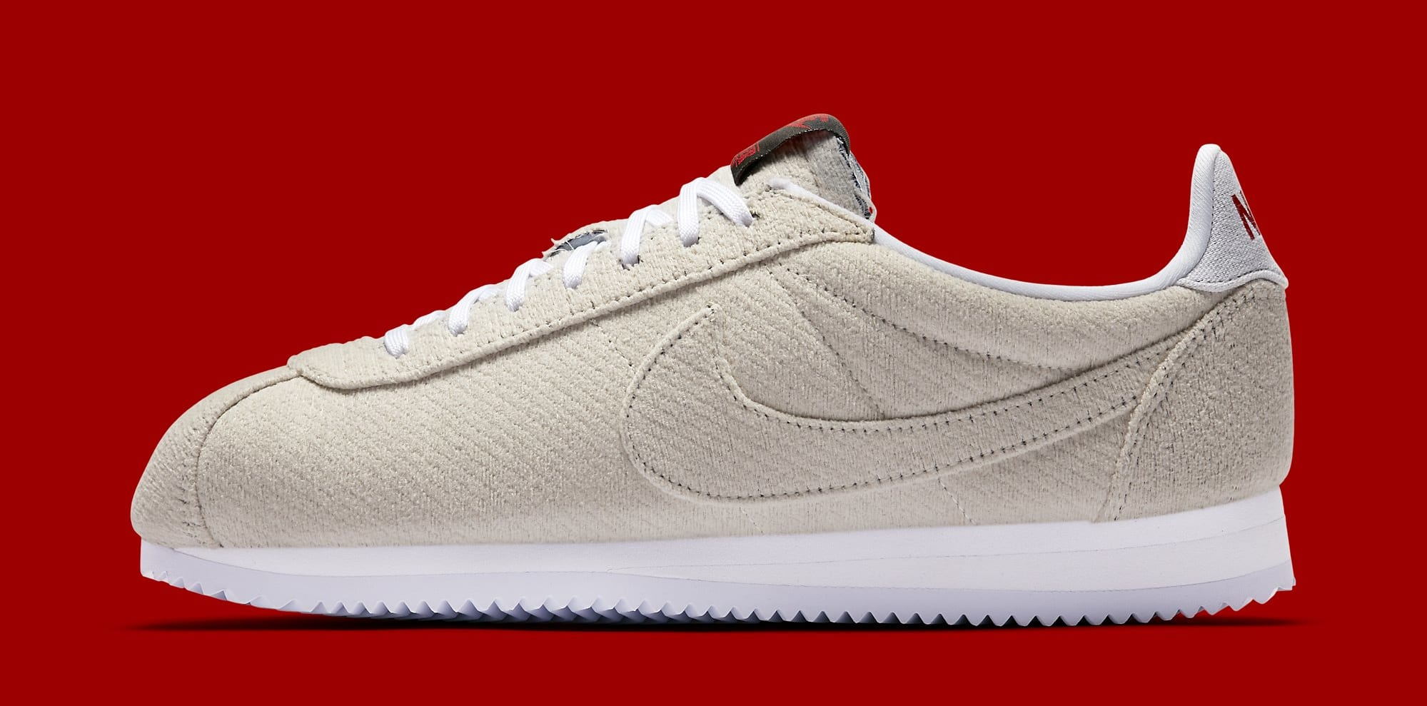 Stranger Things x Nike Cortez 'Starcourt Mall' CJ6107-100 (Lateral)