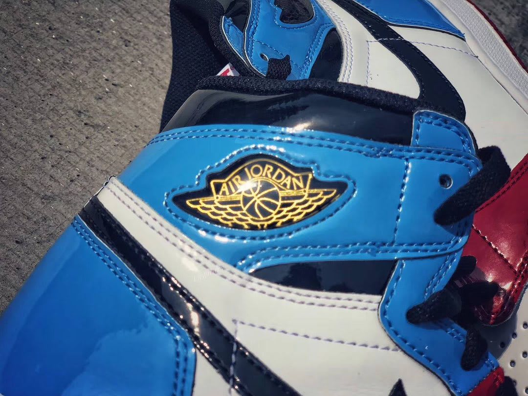 Air Jordan 1 Retro High OG 'UNC to Chicago' First Look Ankle