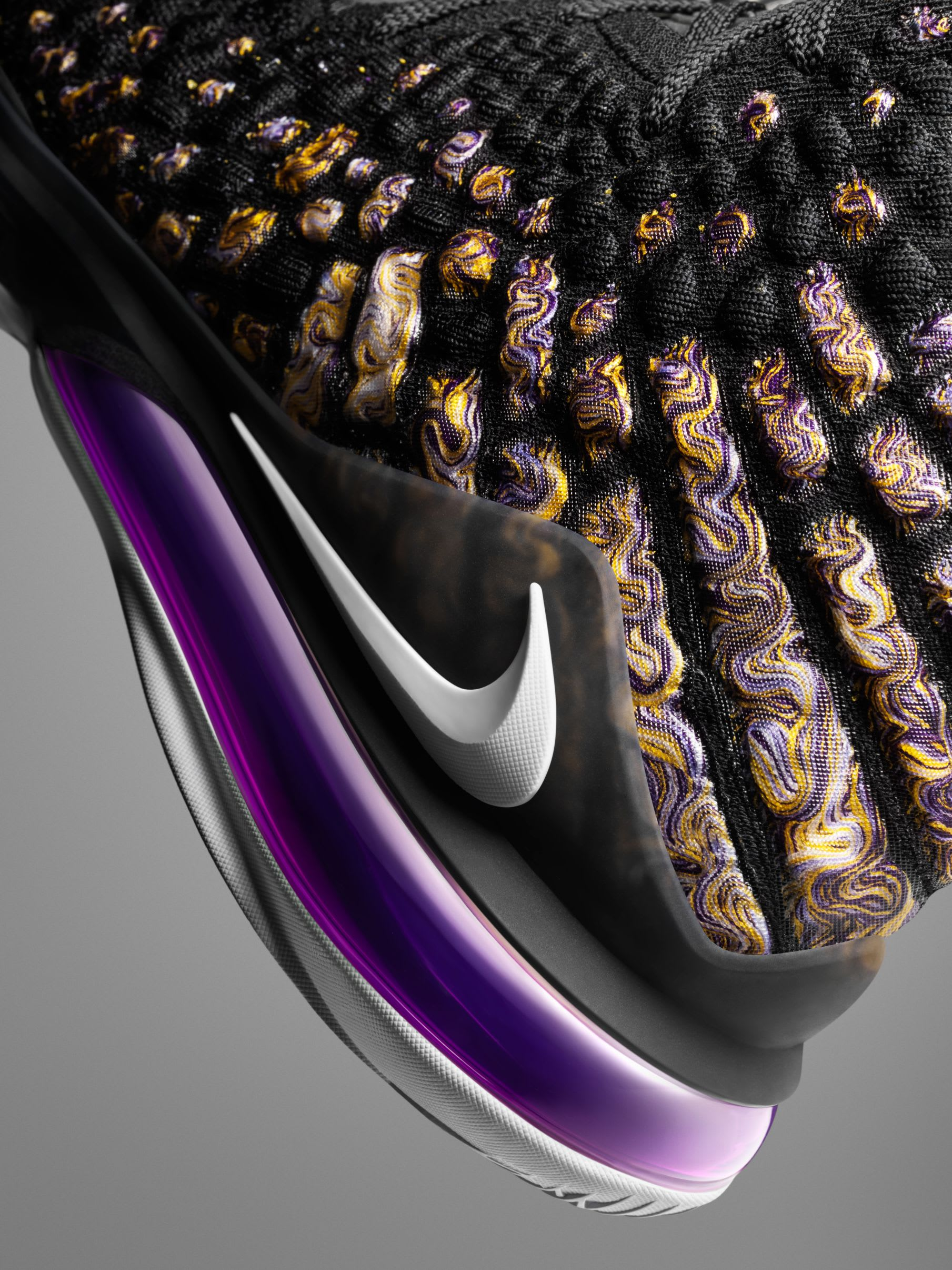 Nike LeBron 17 'Purple Gold' (Detail)