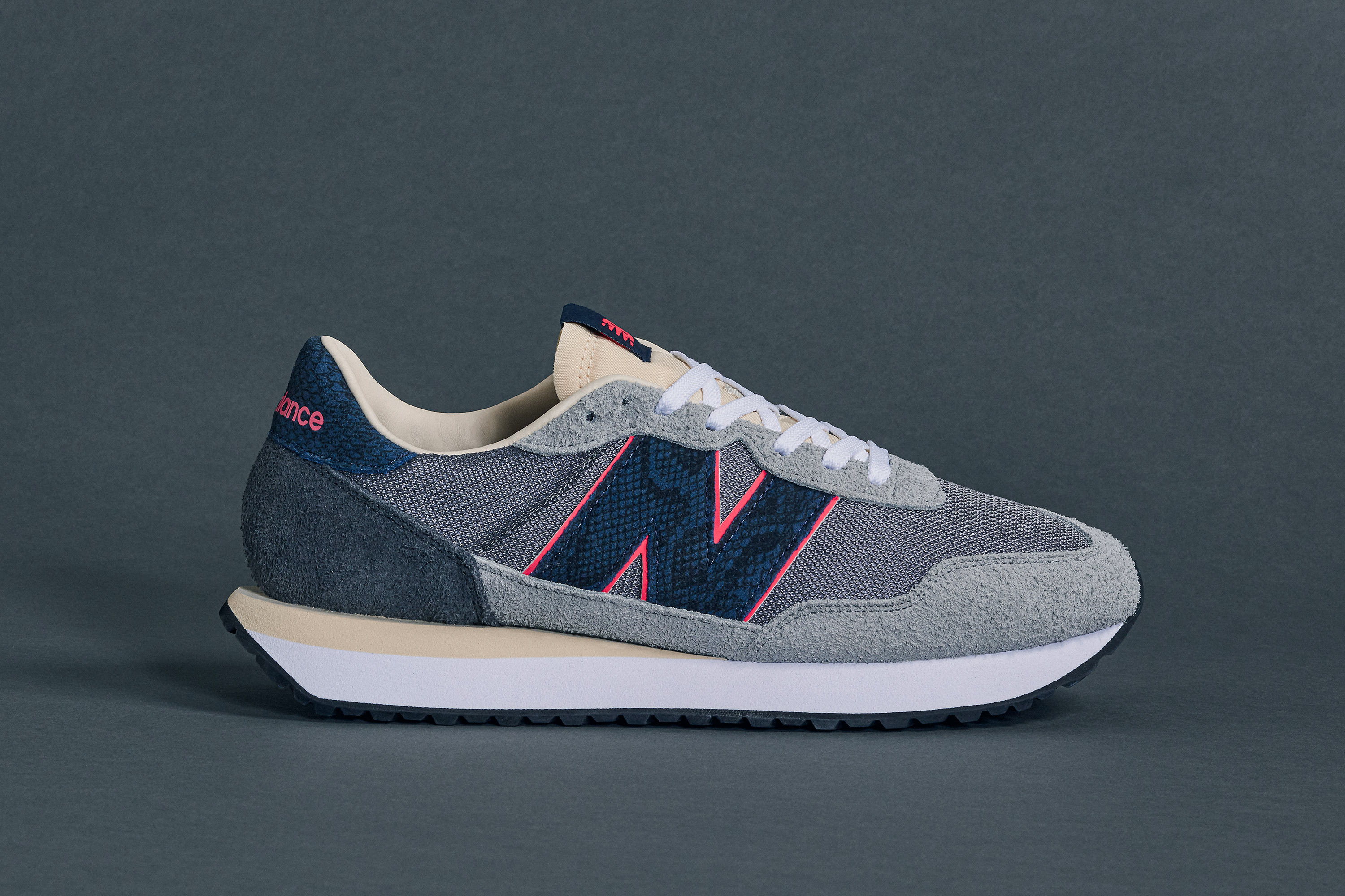 Sneakersnstuff x New Balance 237 'Blue Racer' (Lateral)