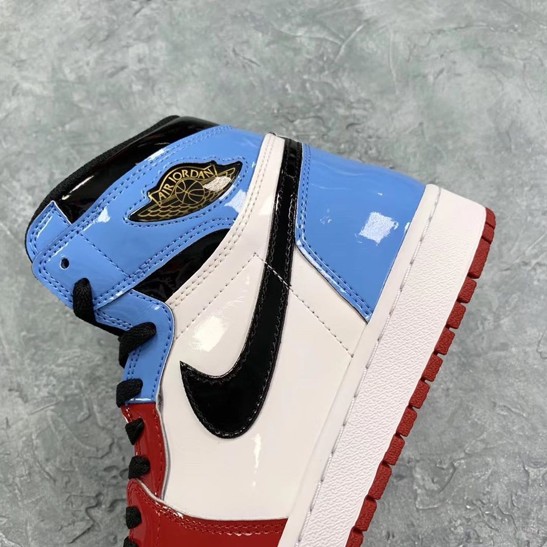 Air Jordan 1 Fearless UNC Chicago Release Date Heel