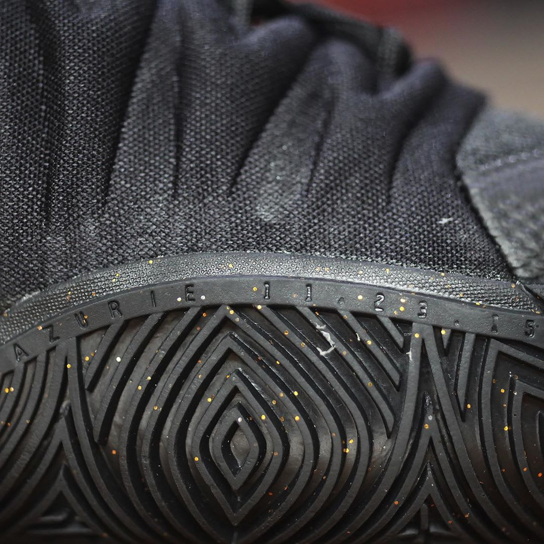 Nike Kyrie 5 Black Metallic Gold White Release Date AO2918-007 Outsole Traction Detail