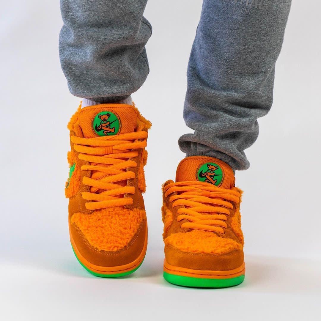 Grateful Dead x Nike SB Dunk Low Orange Release Date CJ5378-800 Front