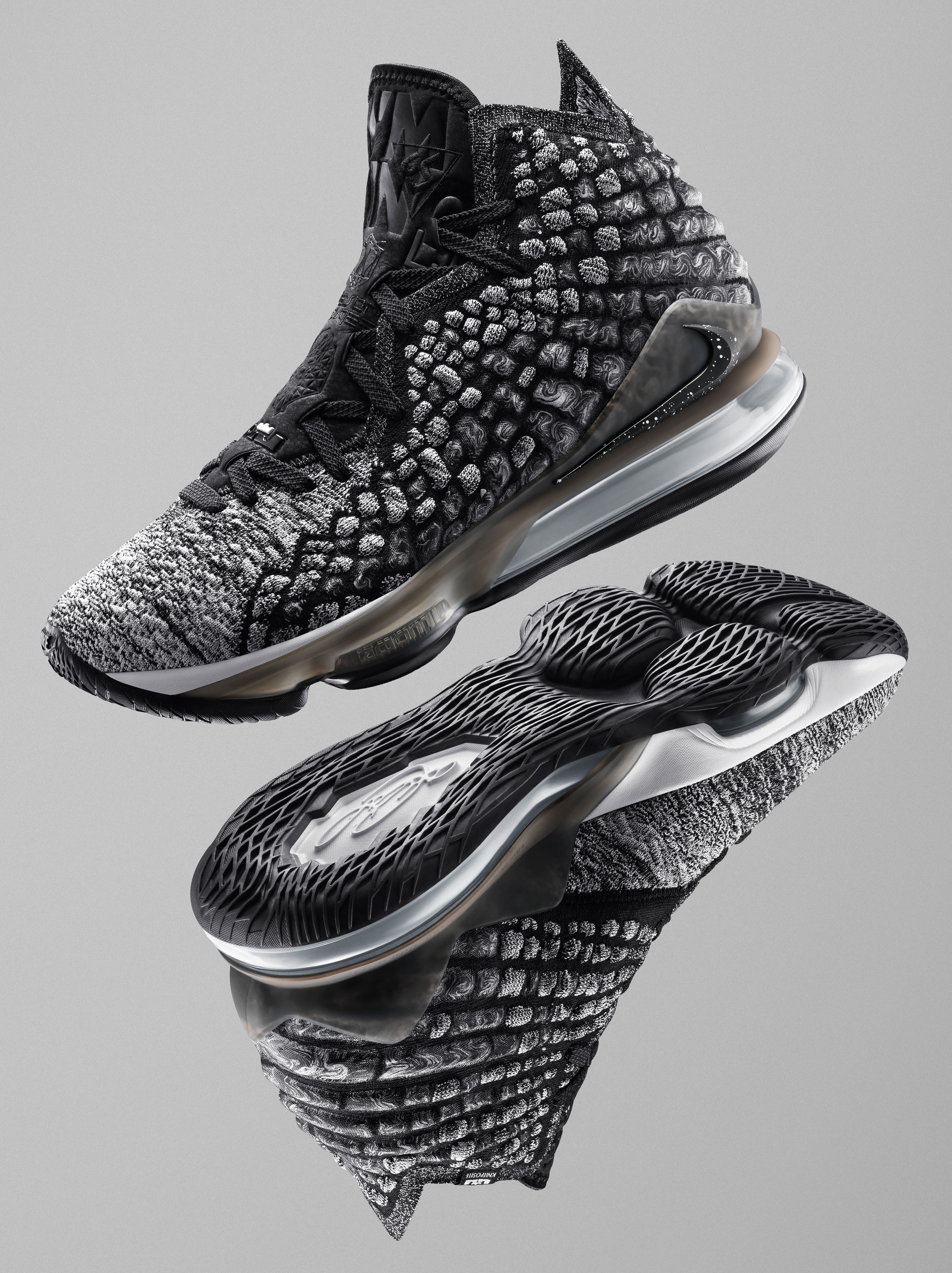 Nike LeBron 17 'Black/White' (Pair)