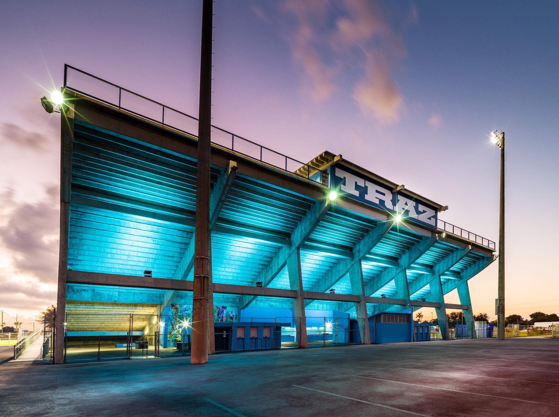 Nike Nathaniel Traz-Powell Stadium (Outer)