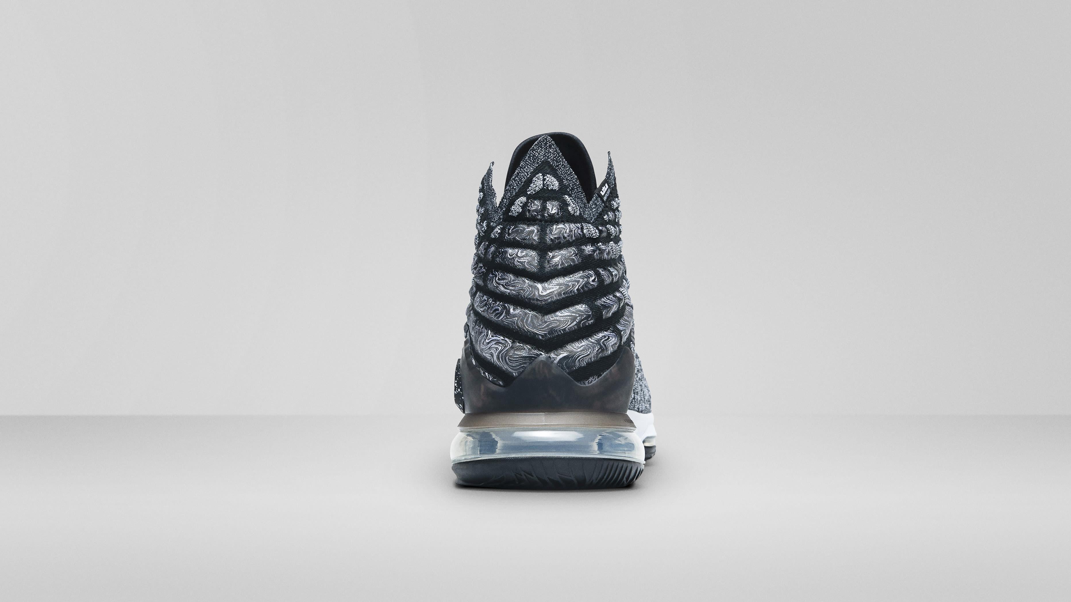 Nike LeBron 17 'Black/White' (Heel)
