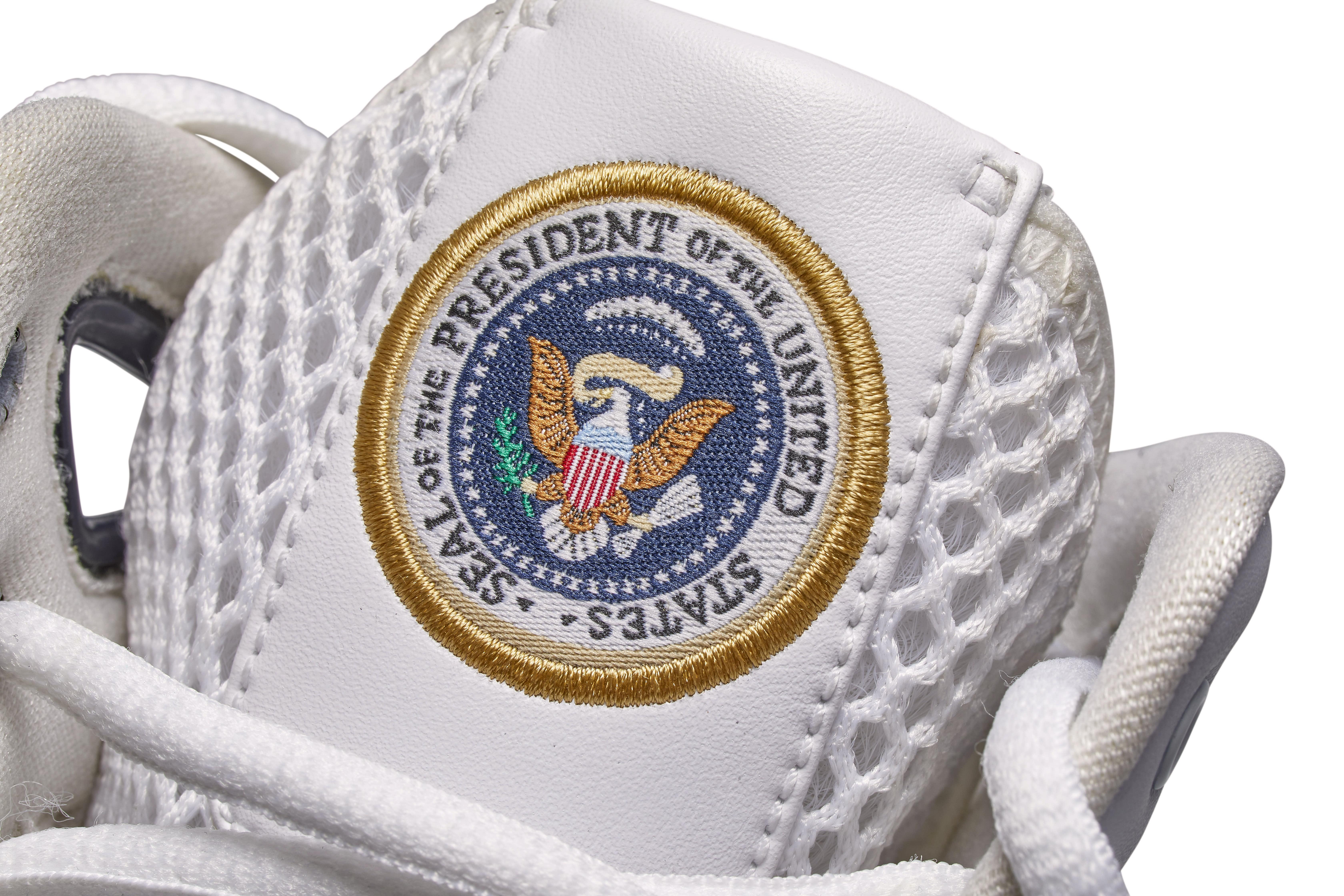 Nike Hyperdunk 'Barack Obama' PE Tongue