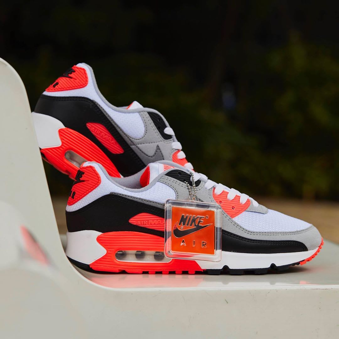 Nike Air Max 90 Infrared Release Date CT1685-100 Profile