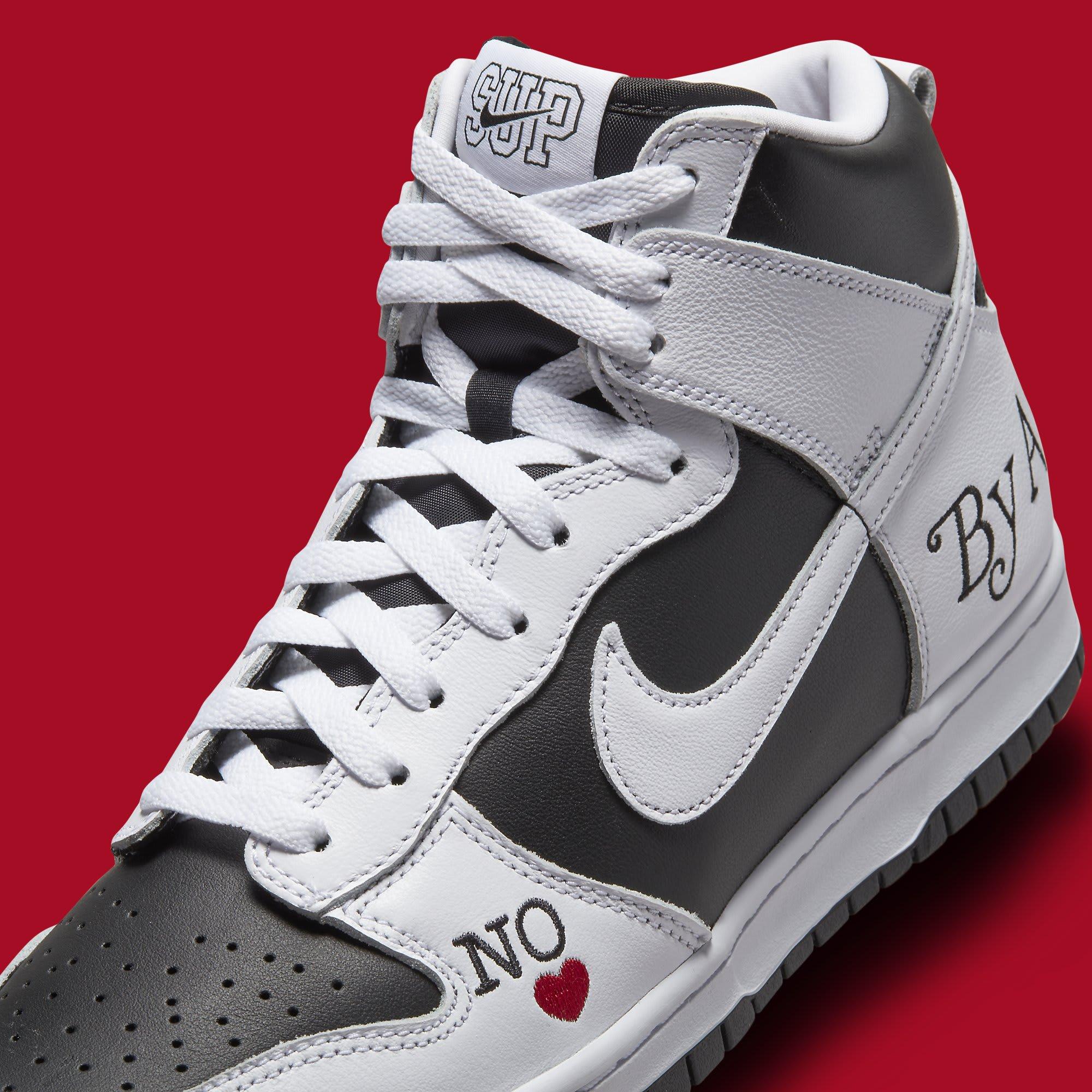 Supreme x Nike SB Dunk High White/Black DN3741-002 Front