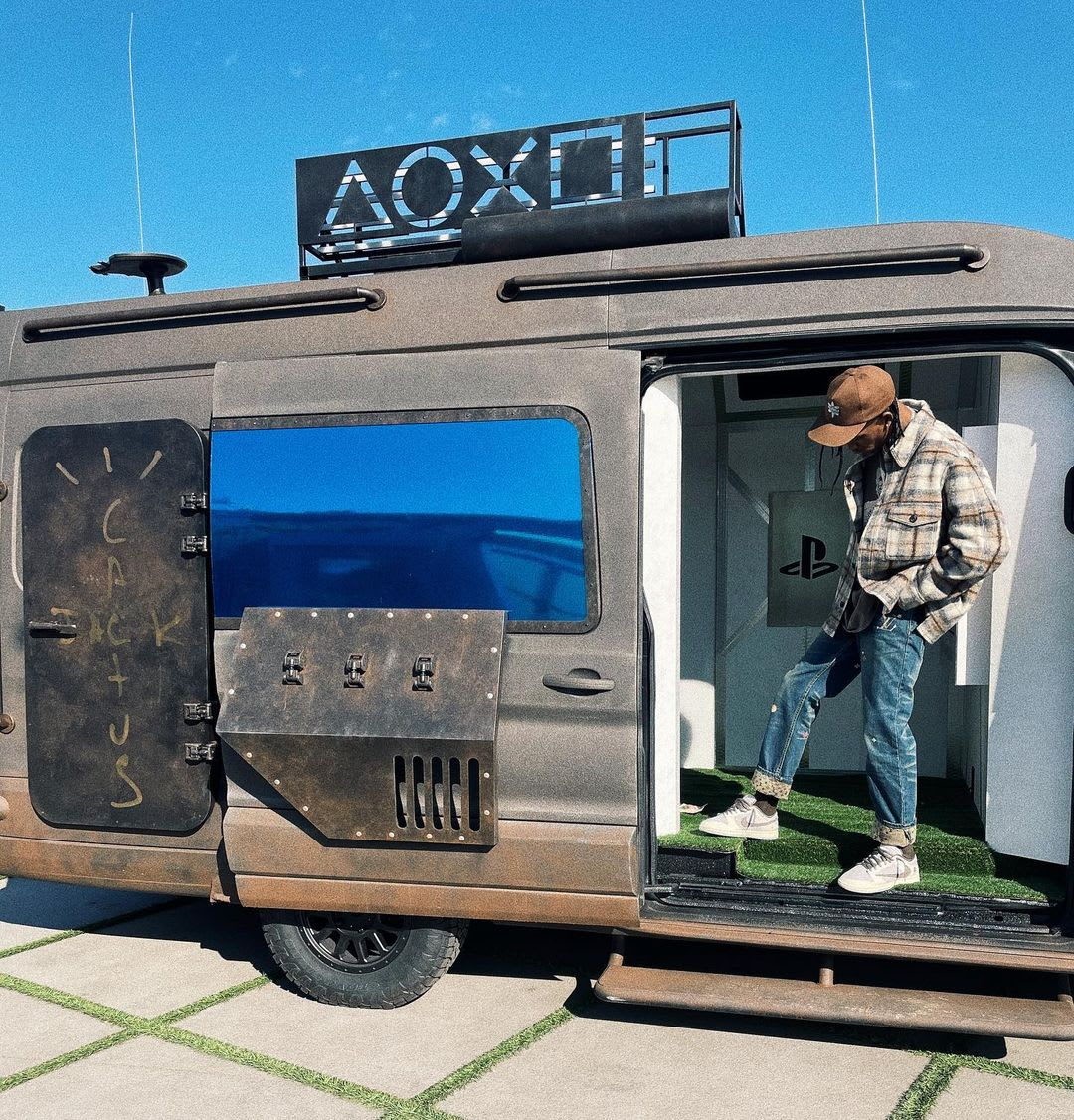 Travis Scott PlayStation x Nike Dunk