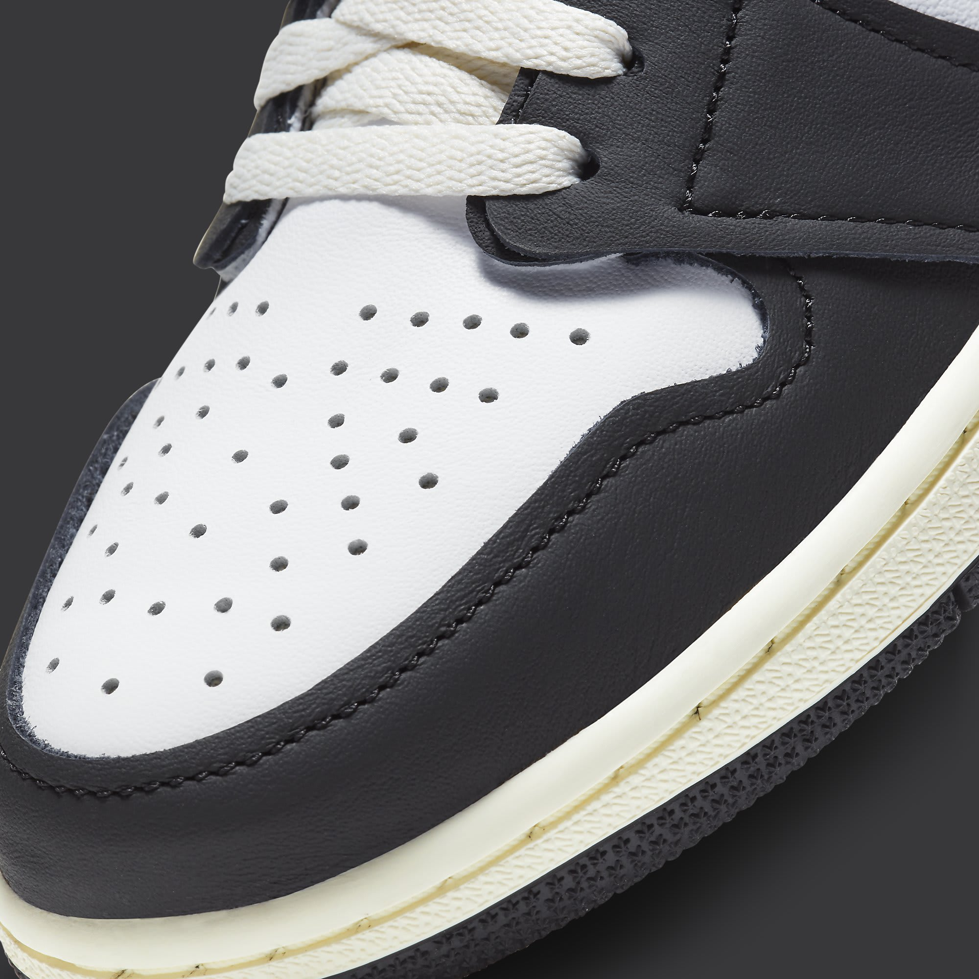 Air Jordan 1 Volt Gold Release Date 555088-118 Toe