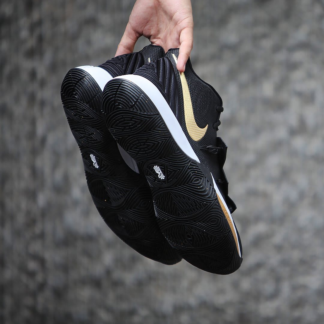 Nike Kyrie 5 Black Metallic Gold White Release Date AO2918-007 Sole