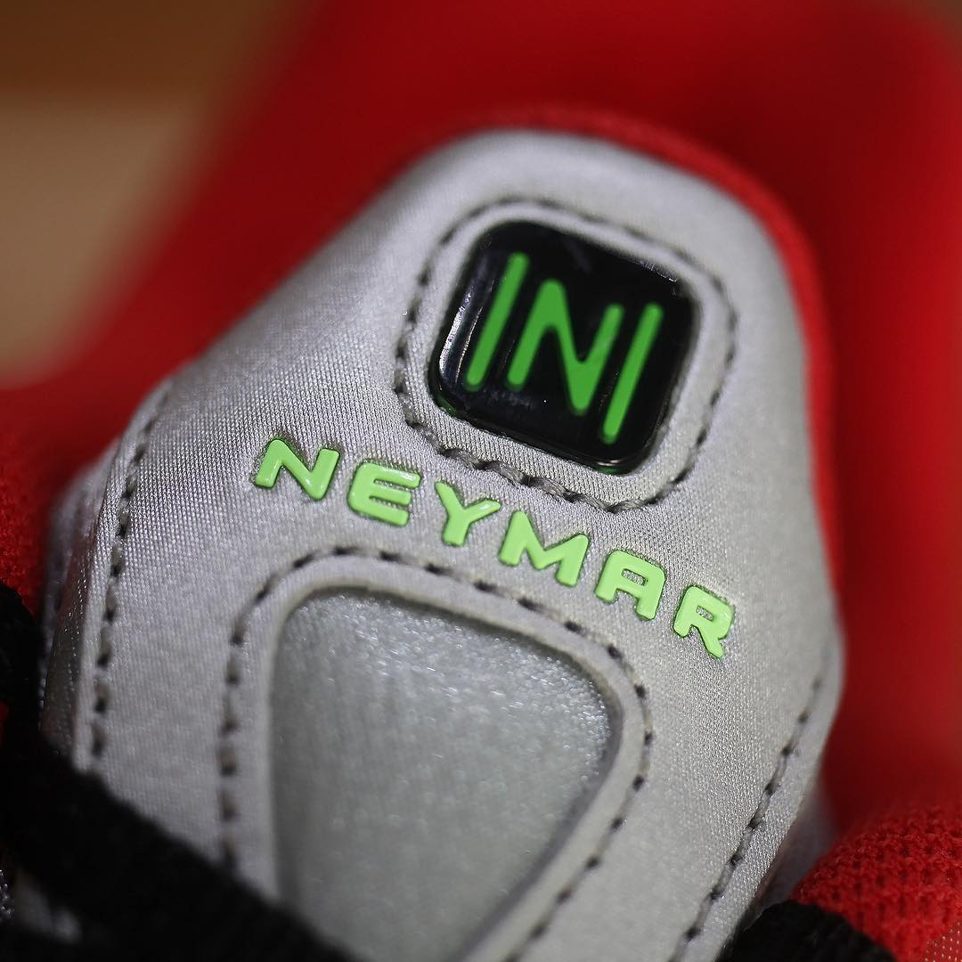 Nike Shox R4 'Neymar' (Tongue)