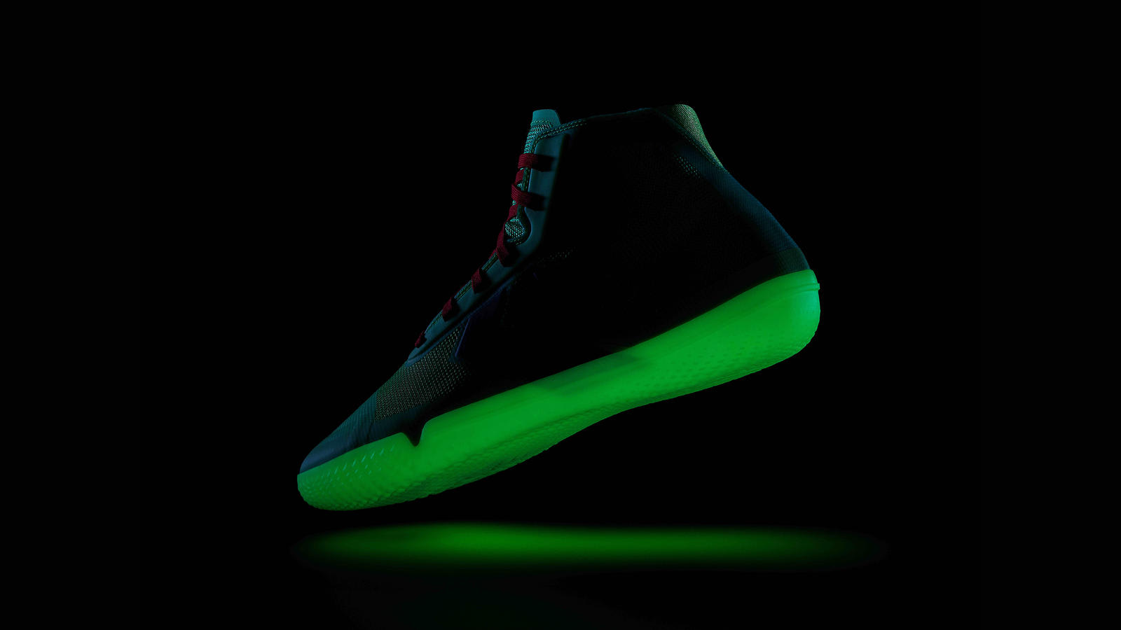 converse-all-star-pro-bb-nocturnal-lateral-glow-in-the-dark