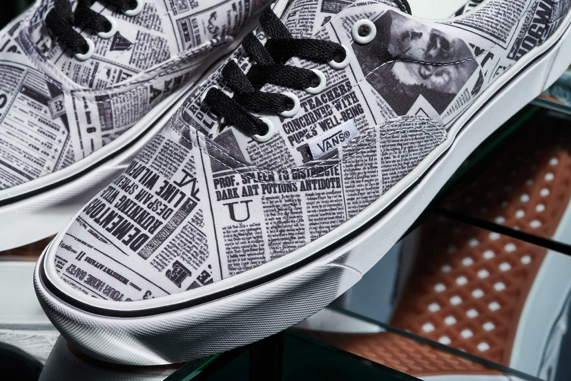 Harry Potter x Vans Era 'Daily Prophet' (Detail)