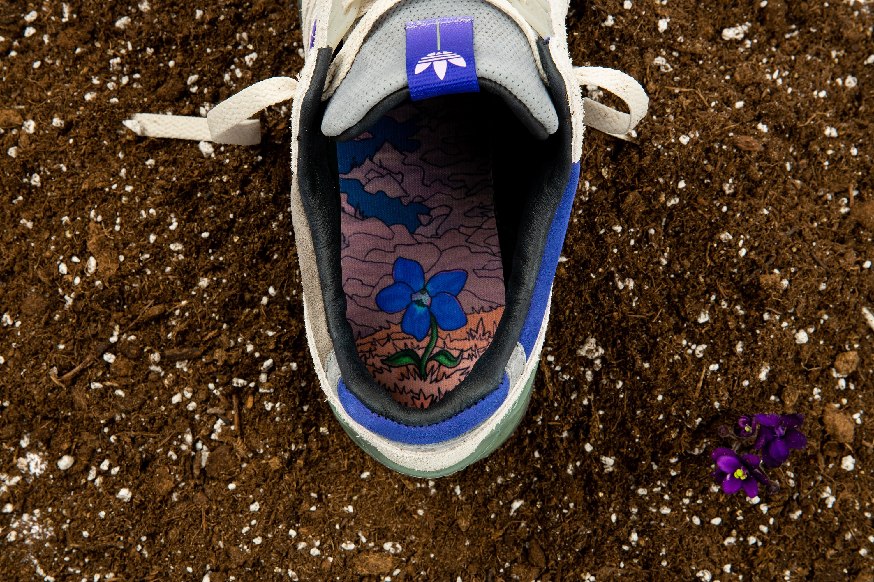 packer-shoes-adidas-consortium-zx-9000-meadow-violet-insole