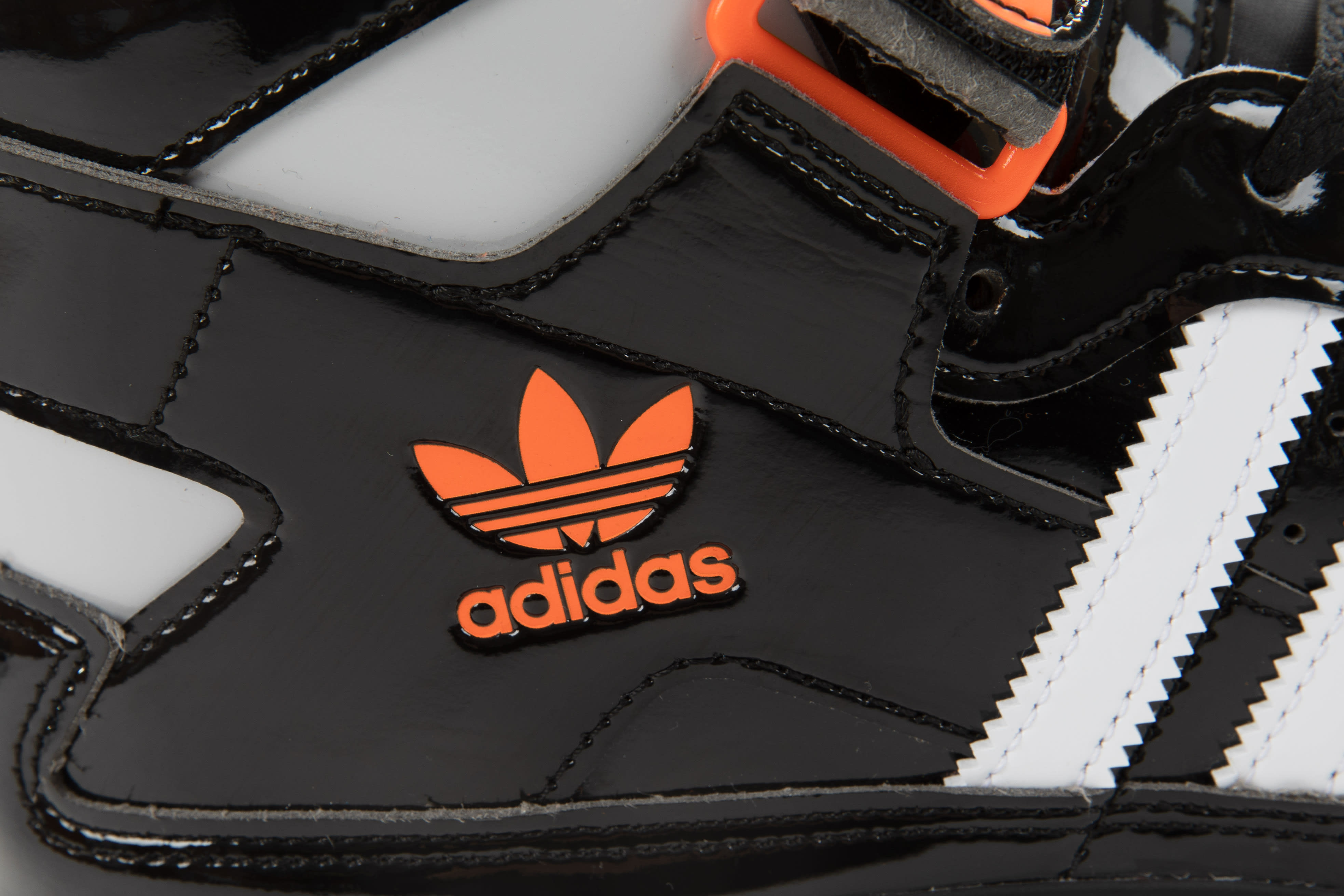 Snipes x Adidas Forum 'Detroit Bad Boys' GZ8375 Heel