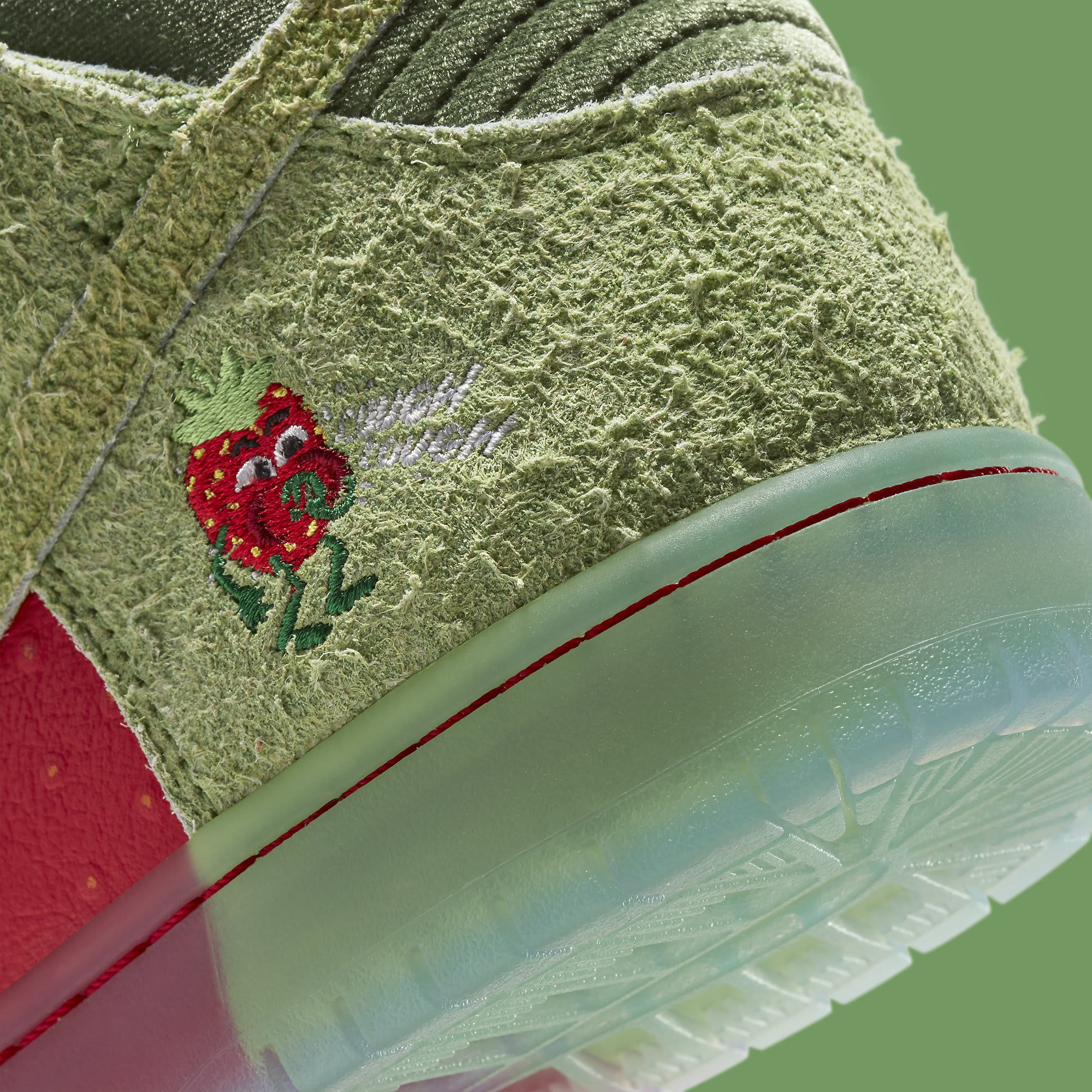 Strawberry Cough x Nike SB Dunk High SW7093-600 Release Date Heel Detail