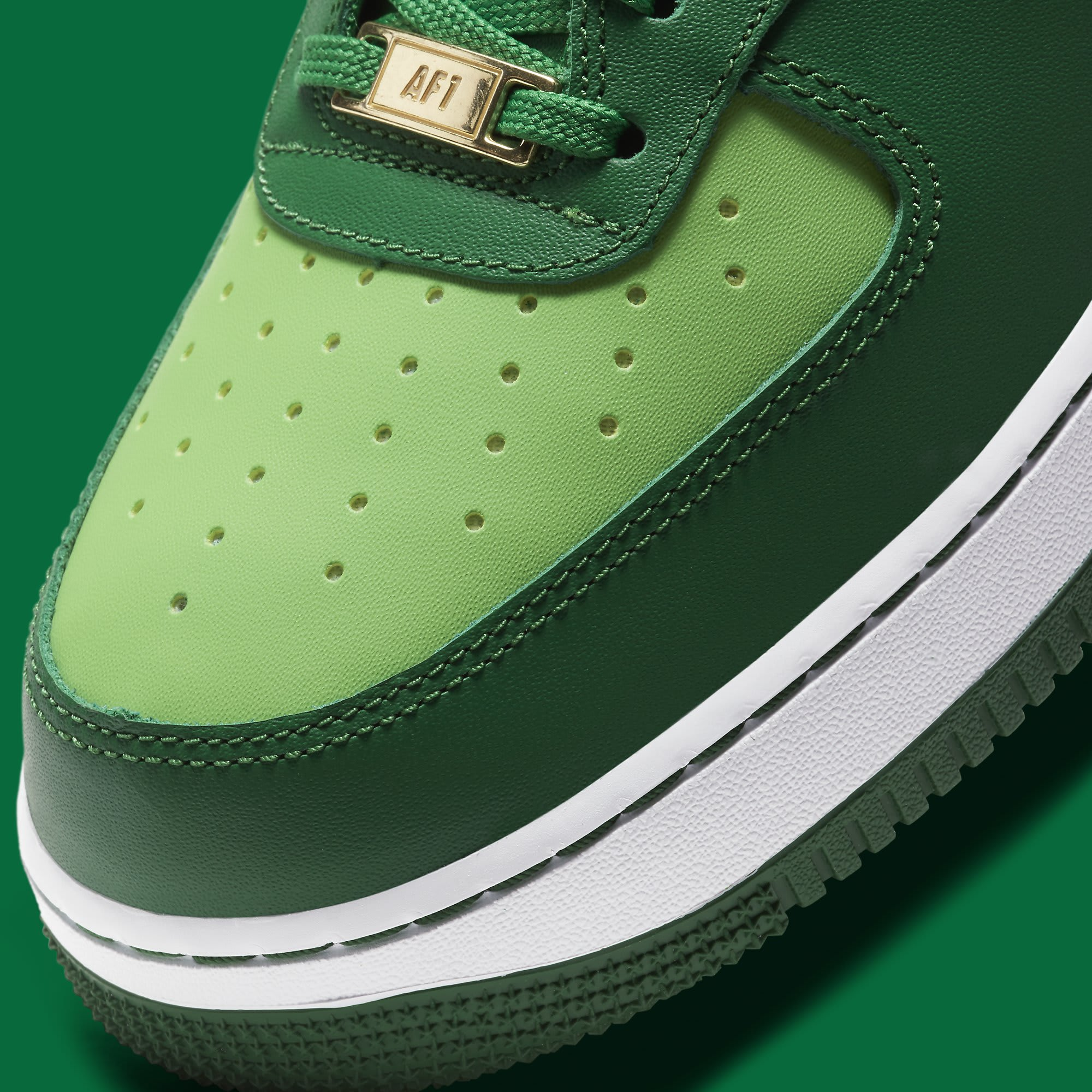 Nike Air Force 1 Low 'St. Patrick's Day' DD8458-300 Toe