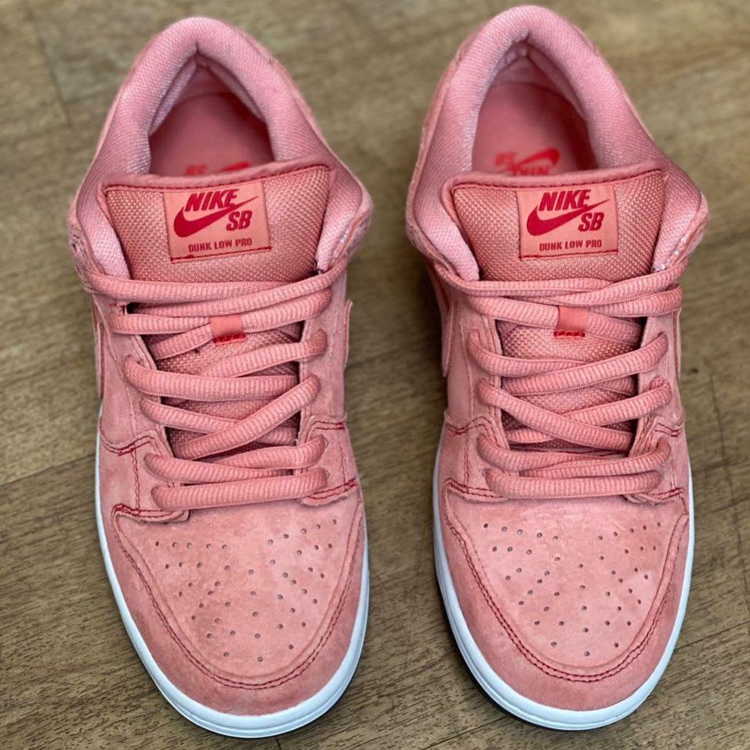 Nike SB Dunk Low 'Pink Pig' Front