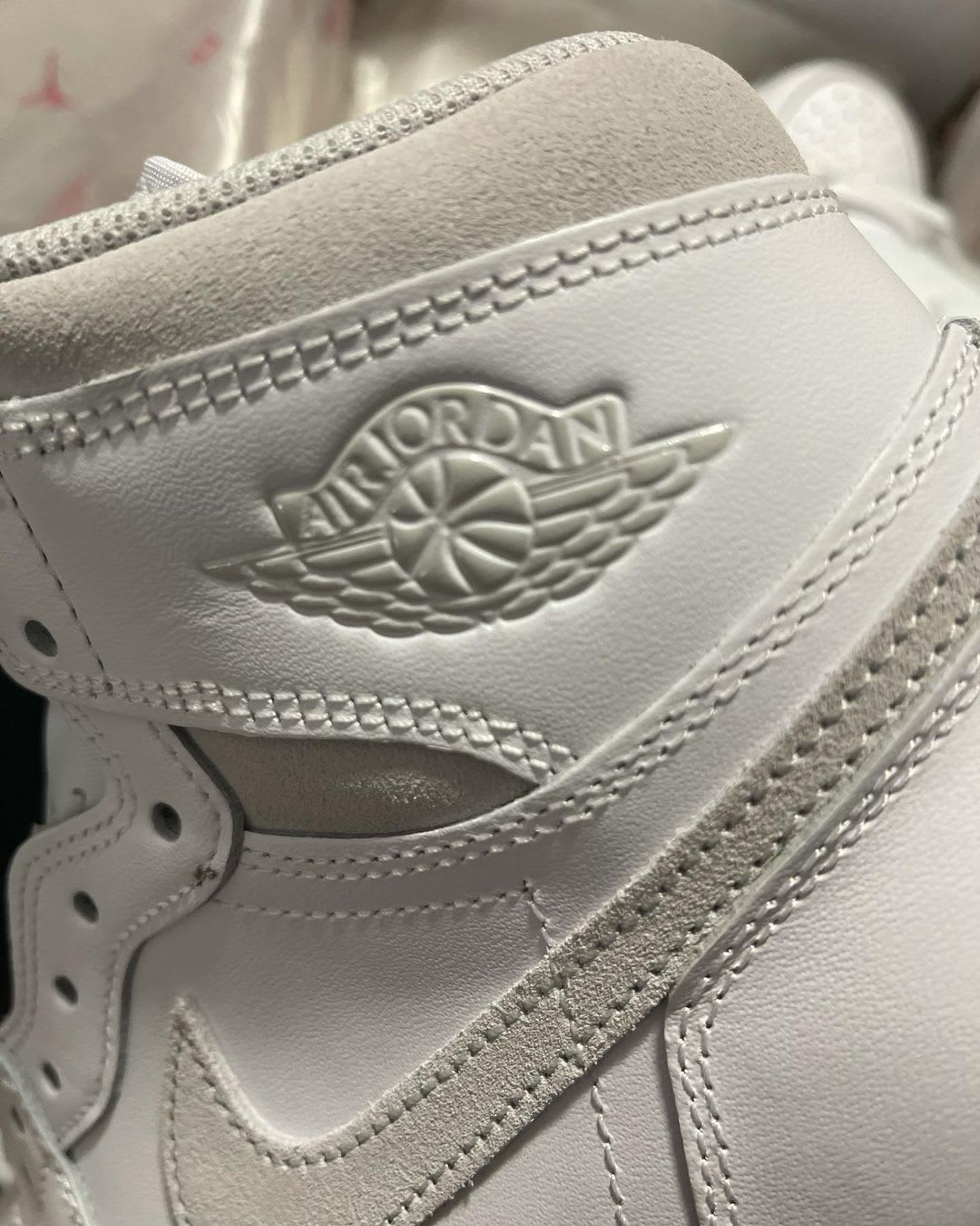 Air Jordan 1 Retro High OG 'Neutral Grey' BQ4422-100 Ankle