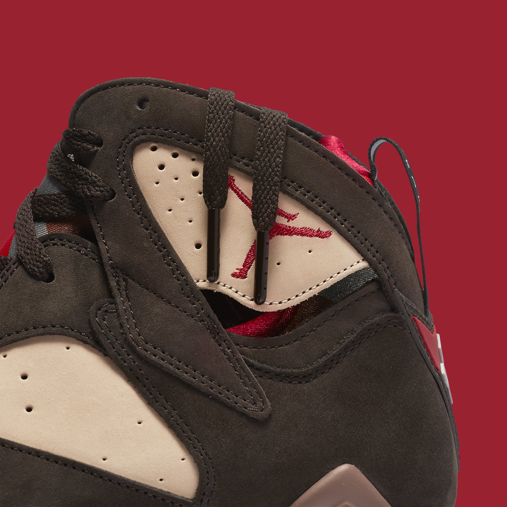 Patta x Air Jordan 7 AT3375-200 (Detail)