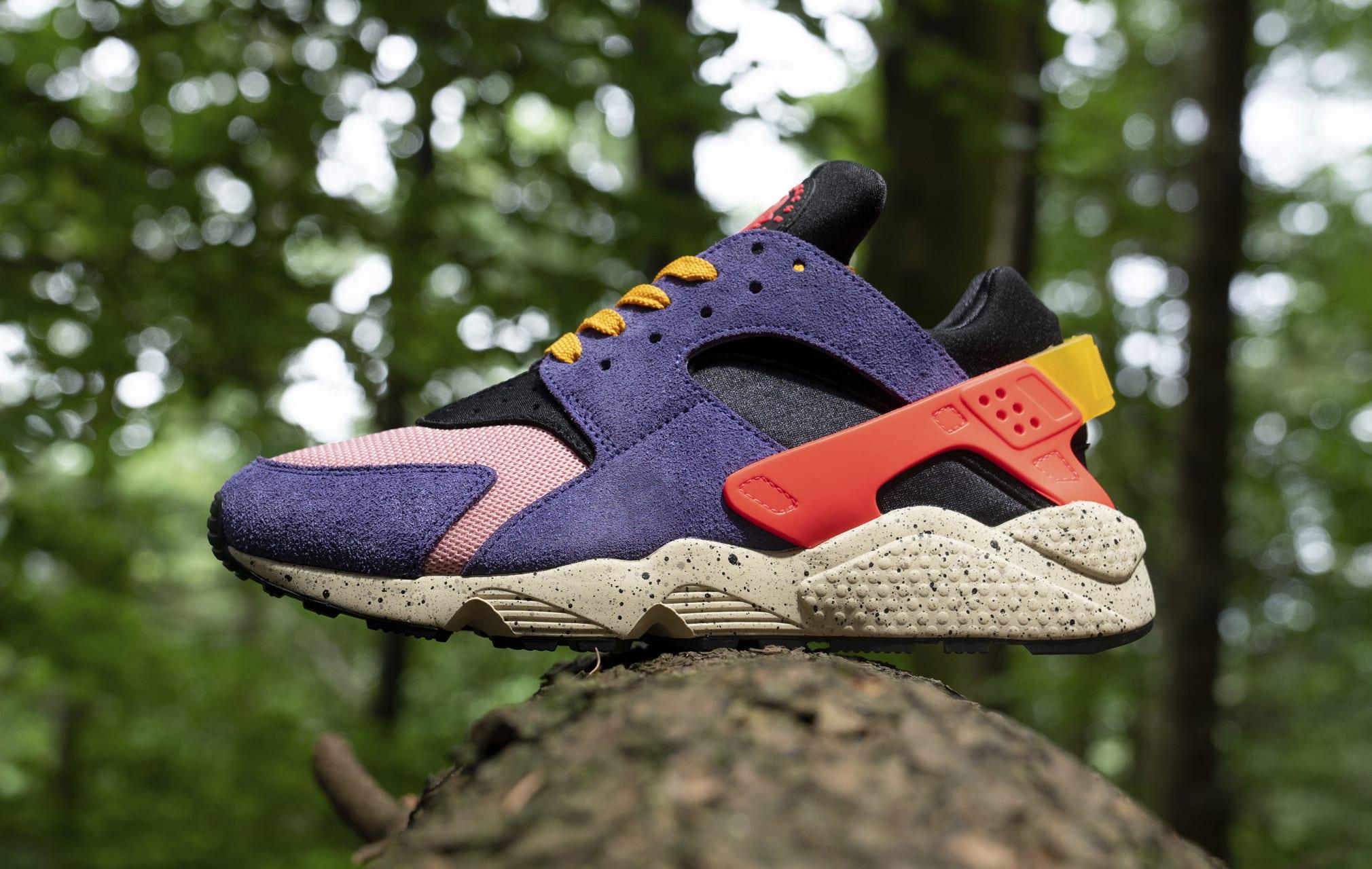 Size? x Nike Air Huarache DM9093-500 Lateral