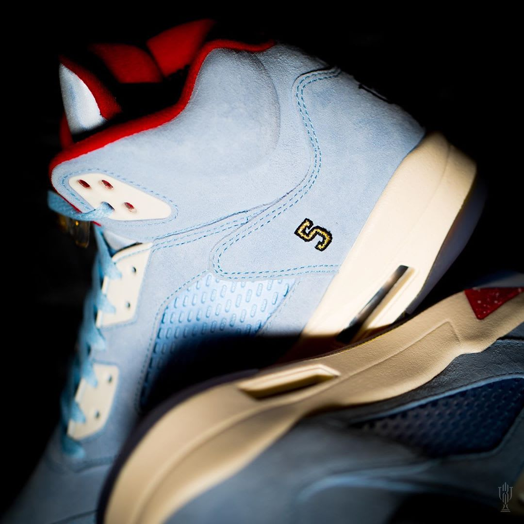 Trophy Room x Air Jordan 5 'Ice Blue' (Detail)