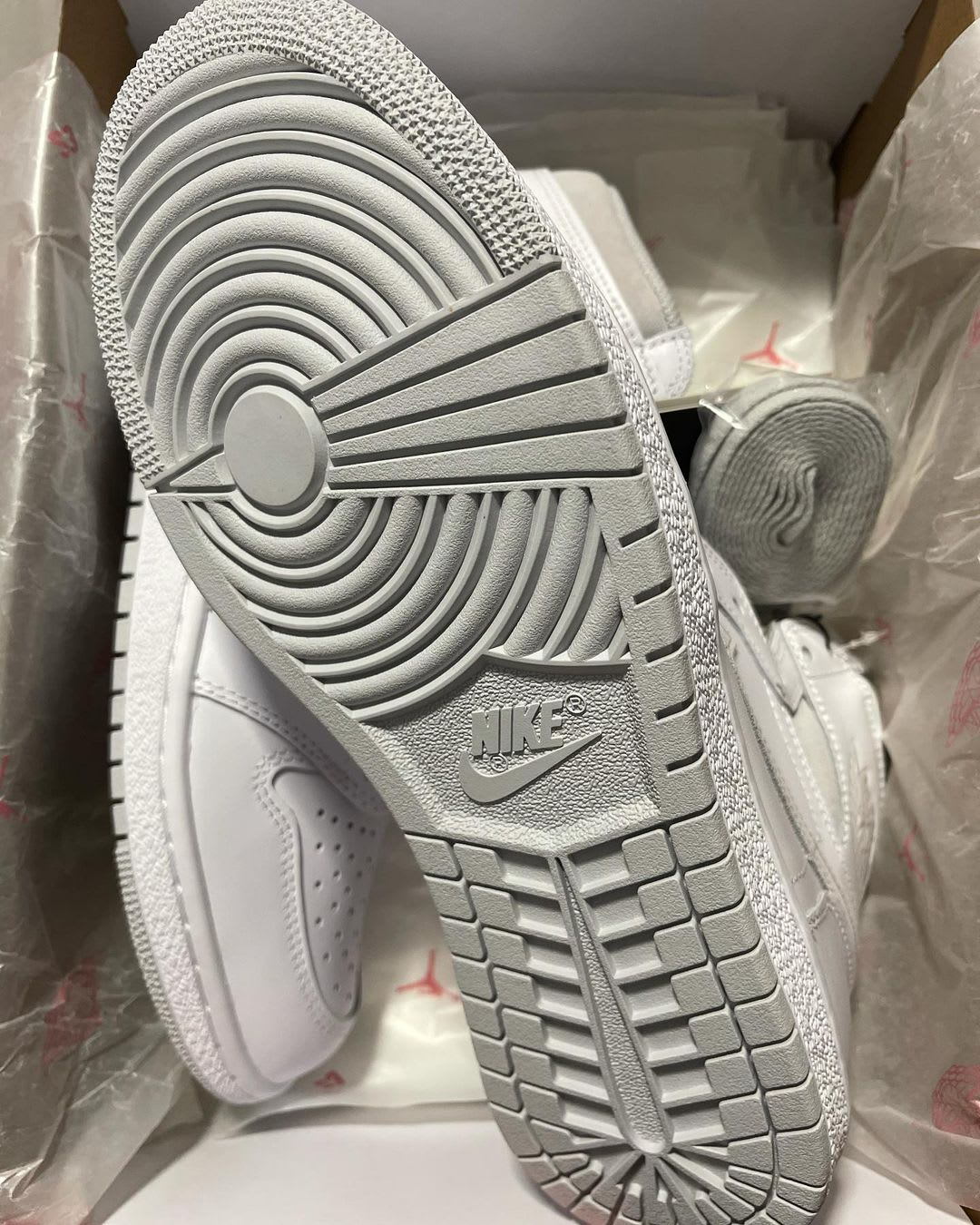 Air Jordan 1 Retro High OG 'Neutral Grey' BQ4422-100 Outsole