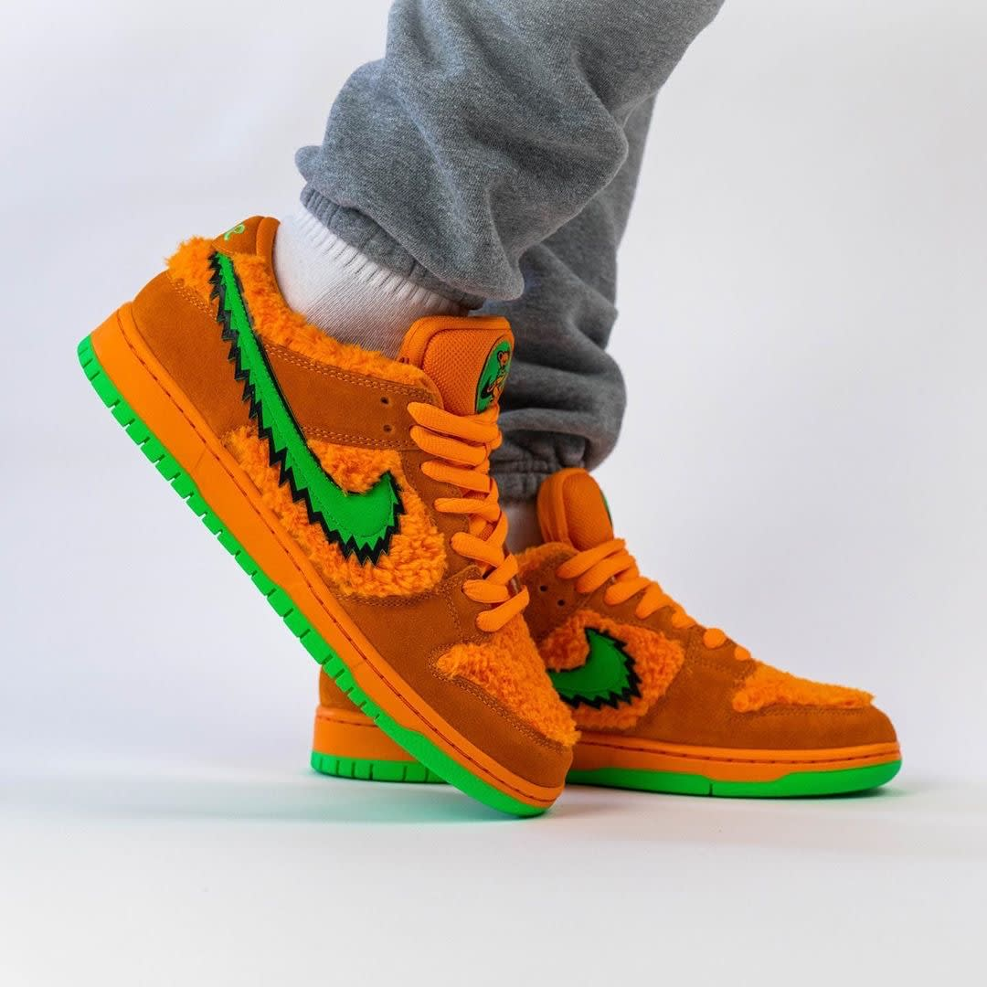 Grateful Dead x Nike SB Dunk Low Orange Release Date CJ5378-800 Right Toe