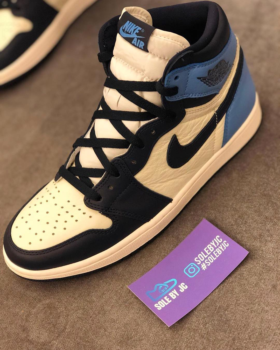 Air Jordan 1 'Sail/Obsidian-University Blue' 555088-140 1