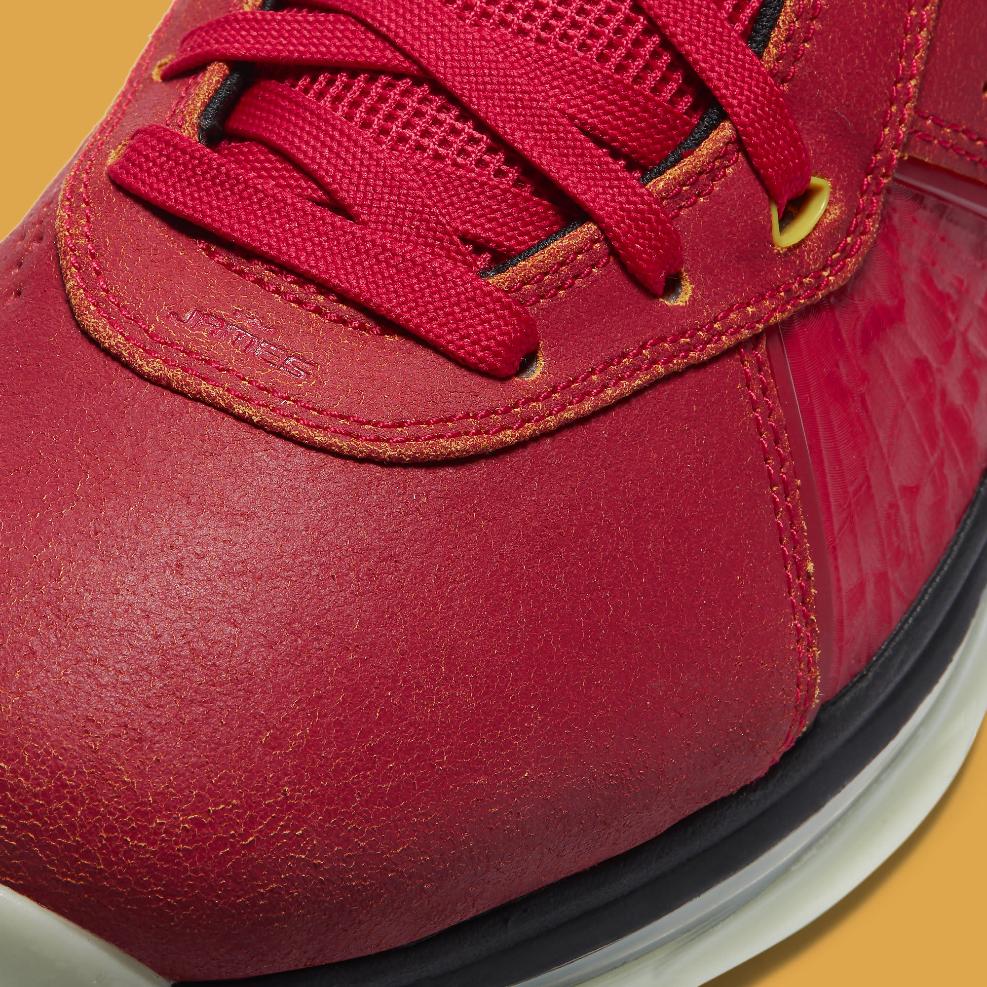Nike LeBron 8 QS 'Gym Red' CT5330-600 Toe