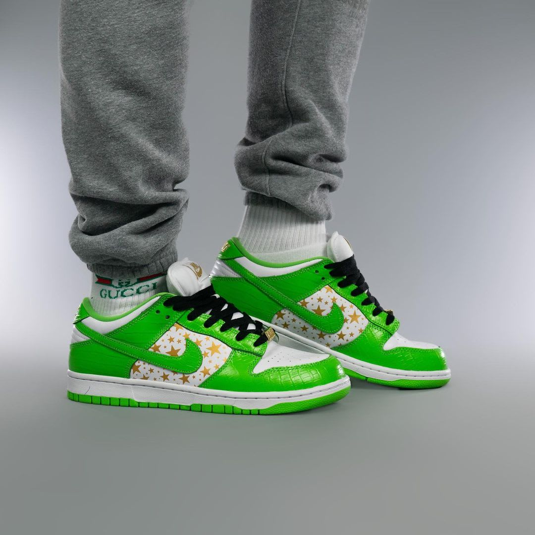 Supreme x Nike SB Dunk Low Green On-Foot Medial