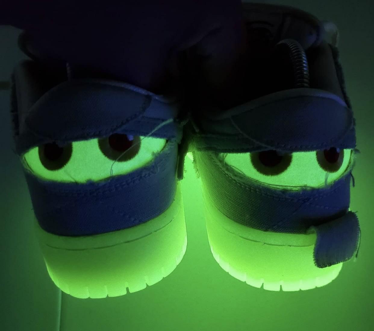Nike SB Dunk Low Mummy Halloween DM0774-111 Glow Sole Dark