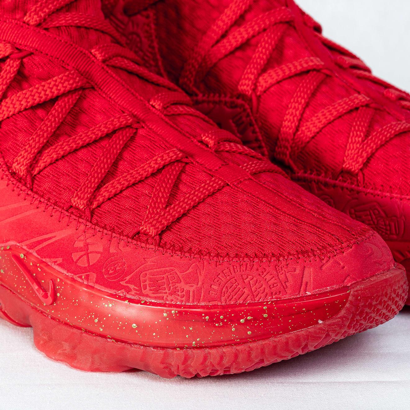 Titan x Nike LeBron 17 Low CD5008-600 (Toe)