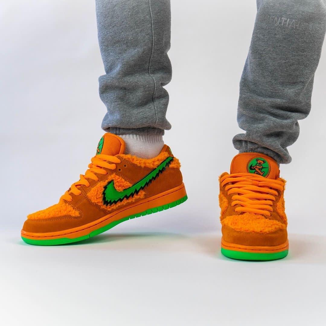 Grateful Dead x Nike SB Dunk Low Orange Release Date CJ5378-800 Toe