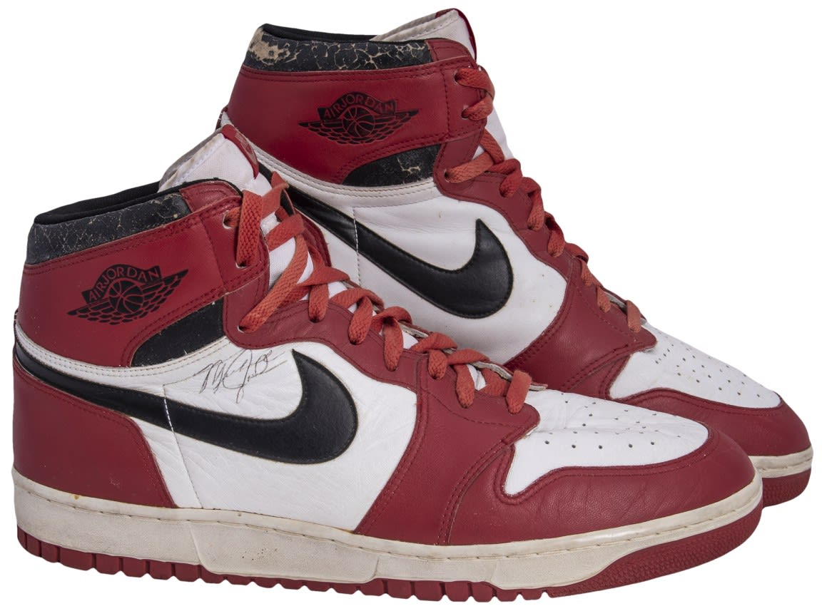 Sotheby's and Goldin Auctions Air Jordan 1 'Chicago' Dunk Sole Side