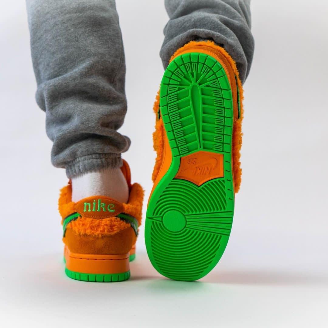 Grateful Dead x Nike SB Dunk Low Orange Release Date CJ5378-800 Heel