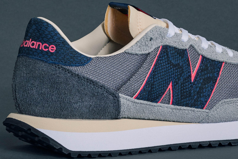 Sneakersnstuff x New Balance 237 'Blue Racer' (Heel)