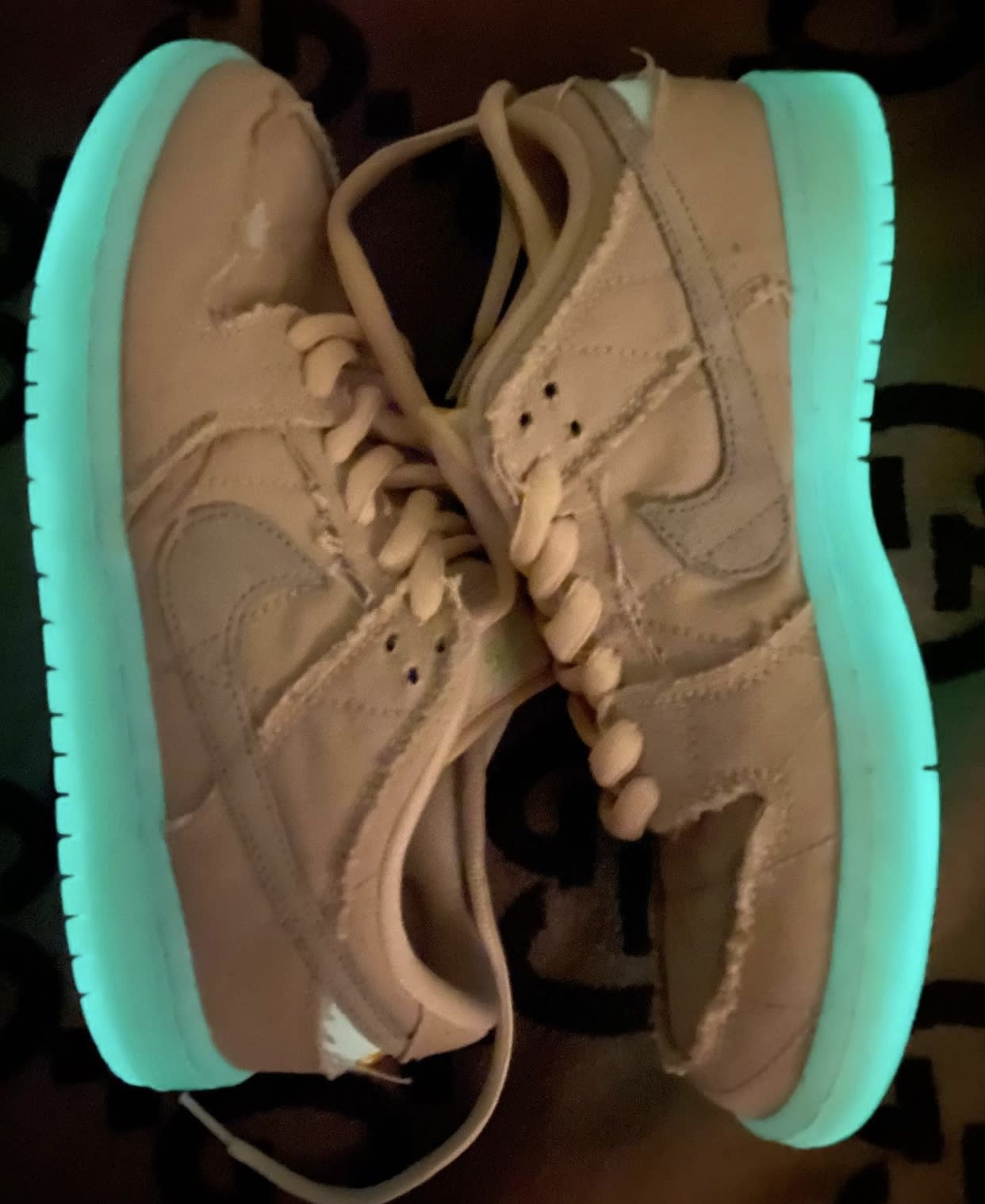 Nike SB Dunk Low Mummy Halloween DM0774-111 Glow Sole