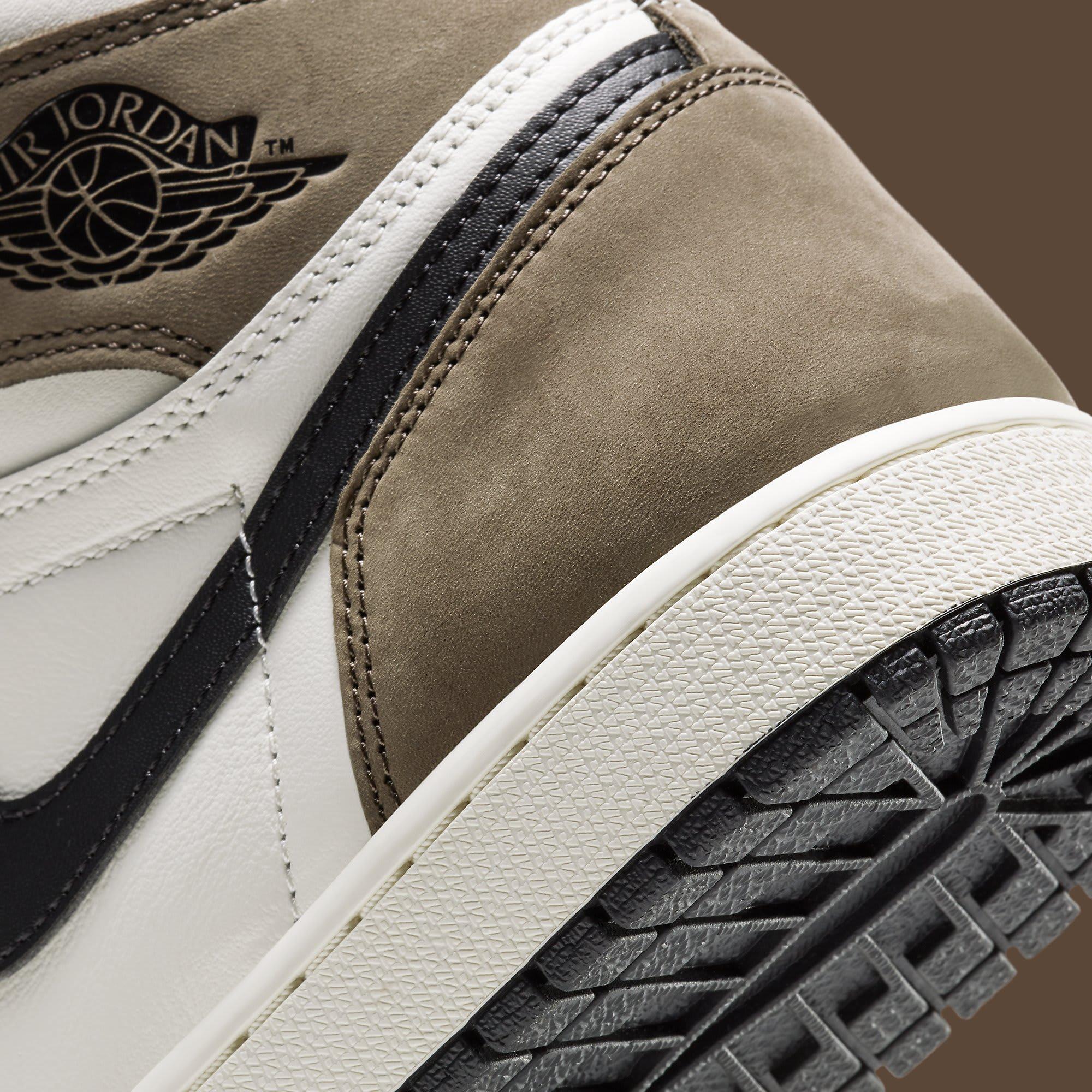 Air Jordan 1 Dark Mocha Release Date 555088-105 Heel Detail