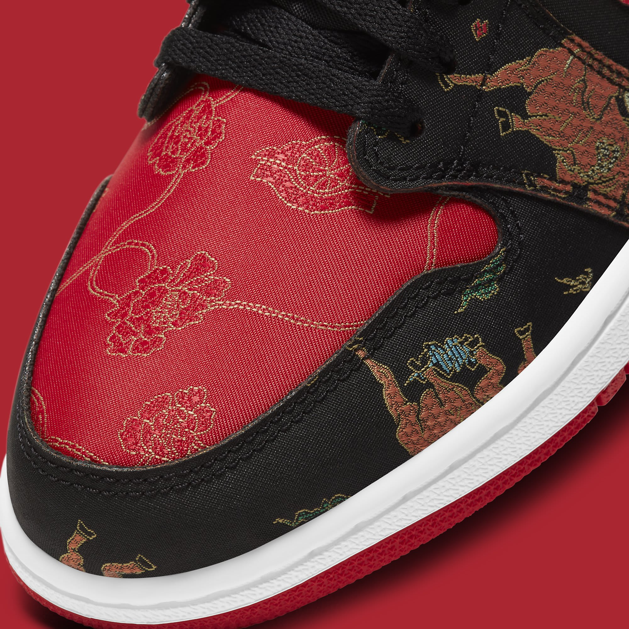 Air Jordan 1 Retro Low OG 'Chinese New Year' DD2233-001 Toe