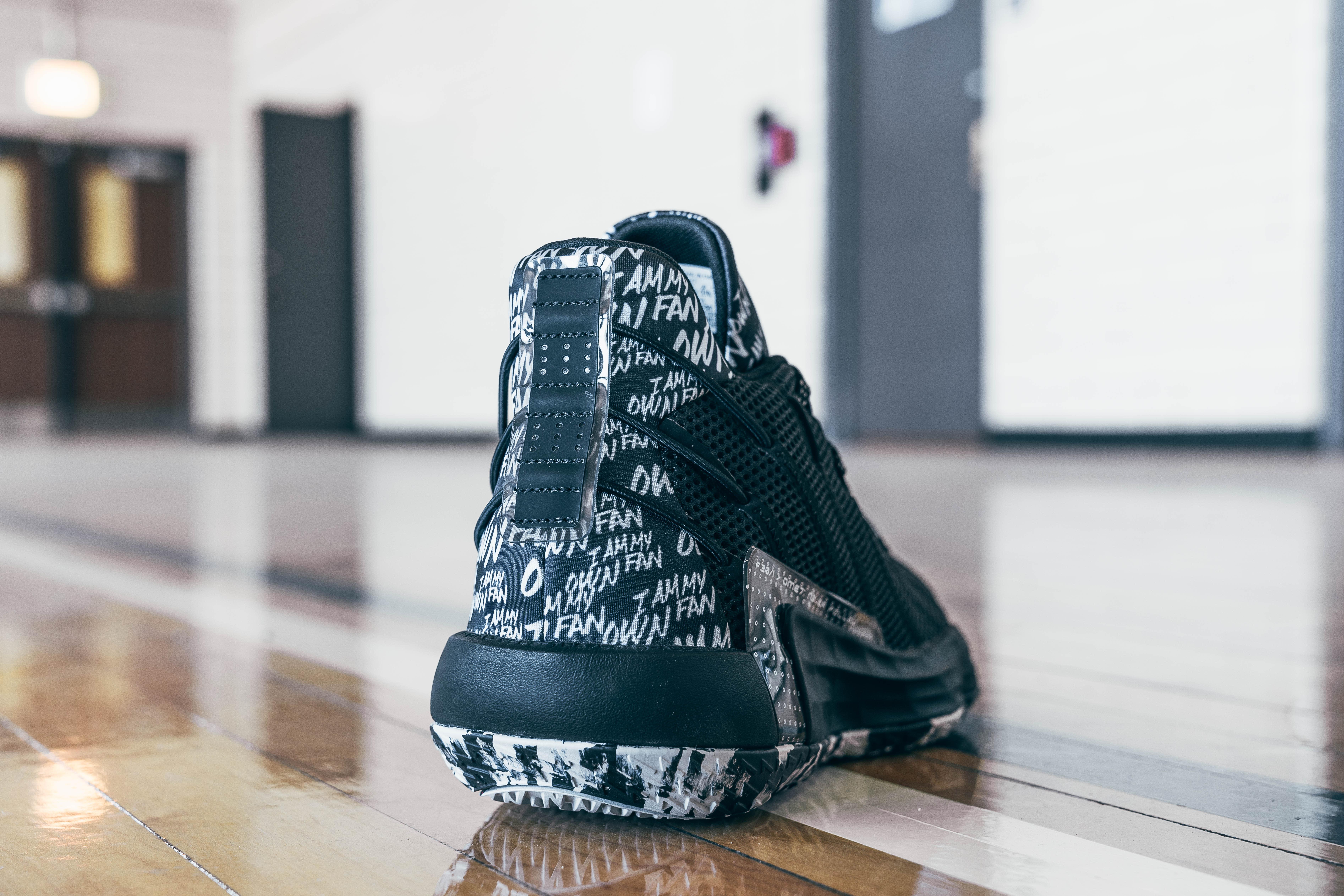 Adidas Dame 7 Black (Heel)