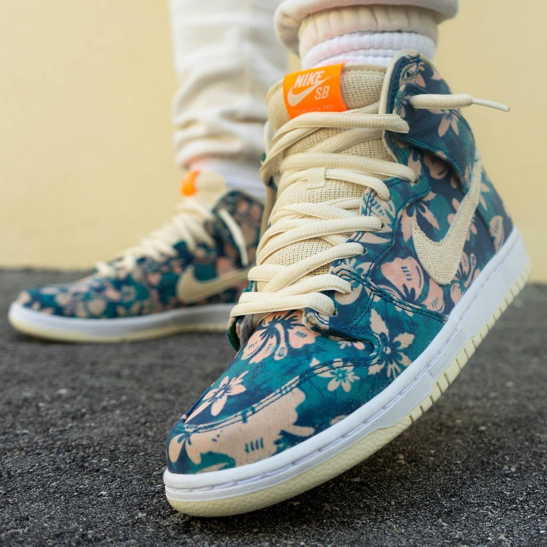 Nike SB Dunk High 'Hawaii' Sail/Blue/Green Aqua CZ2232-300 (Toe)