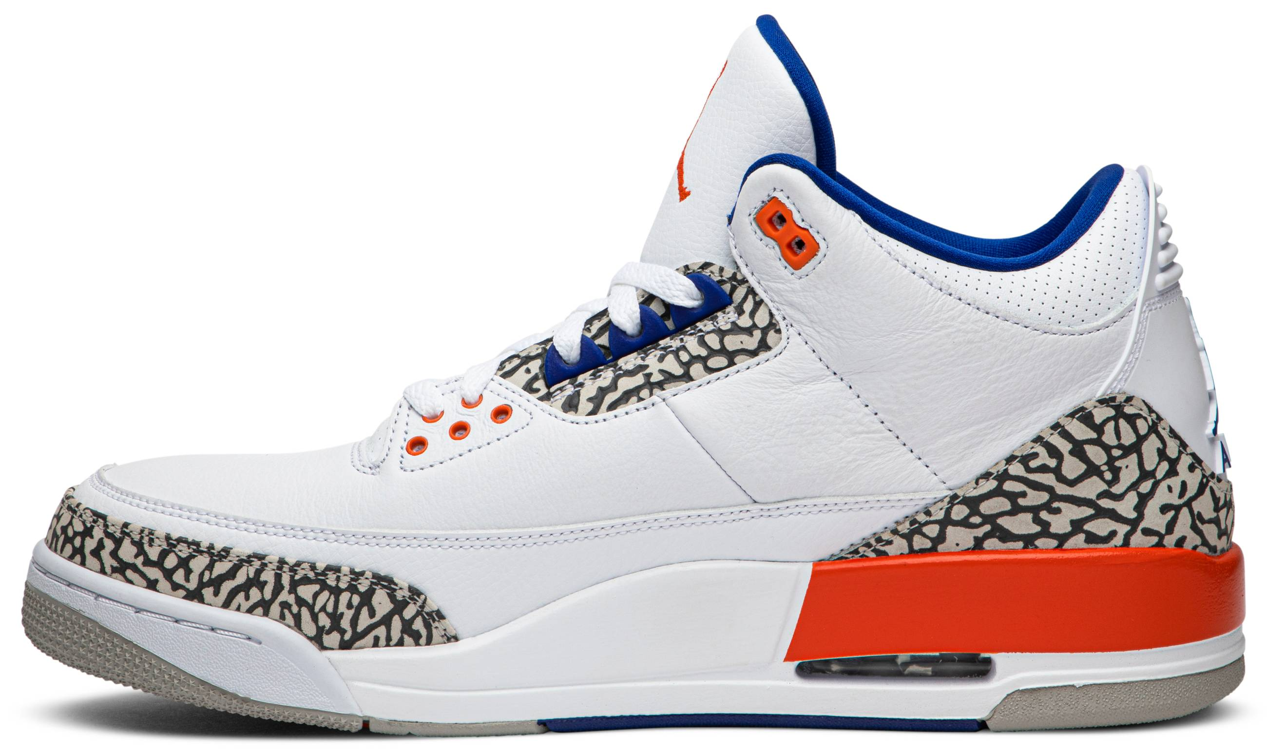 Air Jordan 3 'Knicks' 136064-14 (Medial)